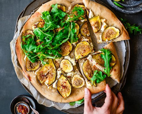 fig truffle goat cheese pizza